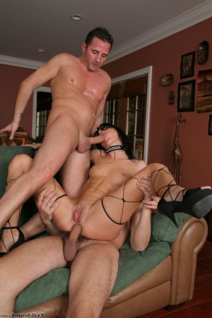 Mellyne threesome escorts in Archer Lodge