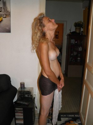 Mailen ukrainian escorts Pahrump