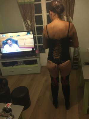 Anne-eleonore college escorts in Forestville